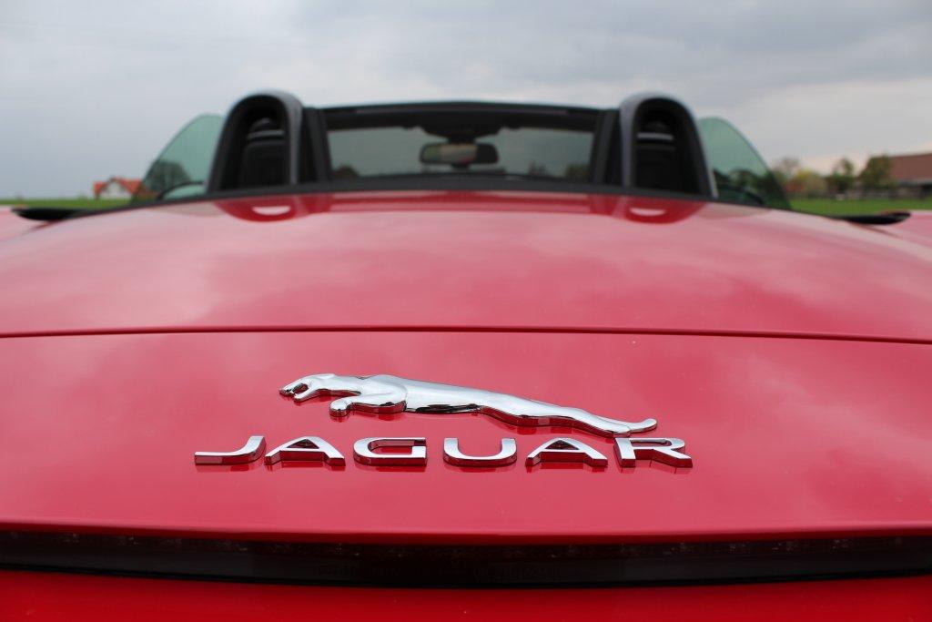 2013-05-03-Jaguar-F-Type-01