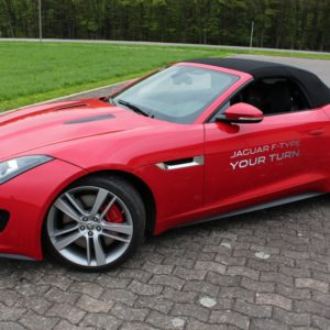 2013-05-03-Jaguar-F-Type-44