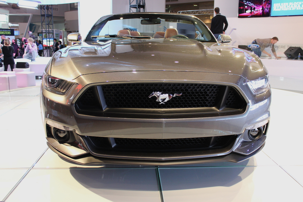 ces der 2015 ford mustang als fastback und cabrio gt auto blogger. Black Bedroom Furniture Sets. Home Design Ideas